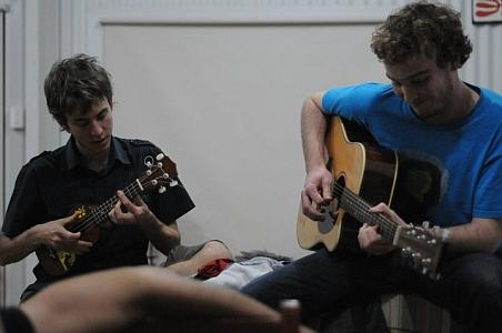 music-love-guitar-ukulele